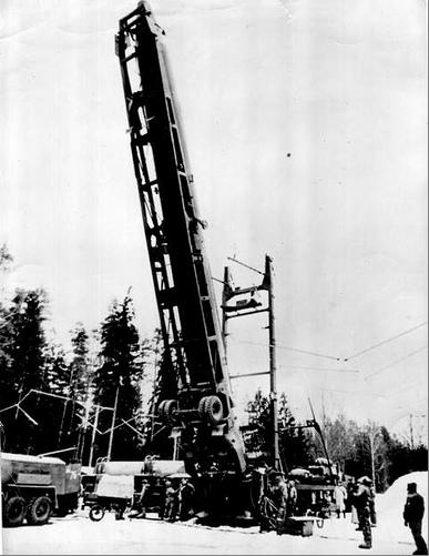 SS-4 opgelift naar de verticale lanceerpositie