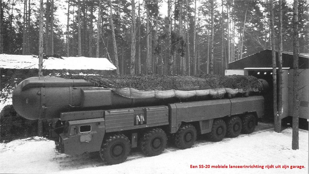 SS-20 uit loods
